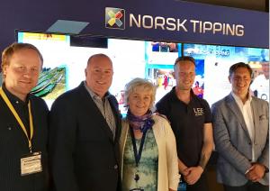 Bilde av representanter fra Norsk Tipping og Link Mobility